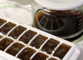 How to cool down coffee without diluting it.