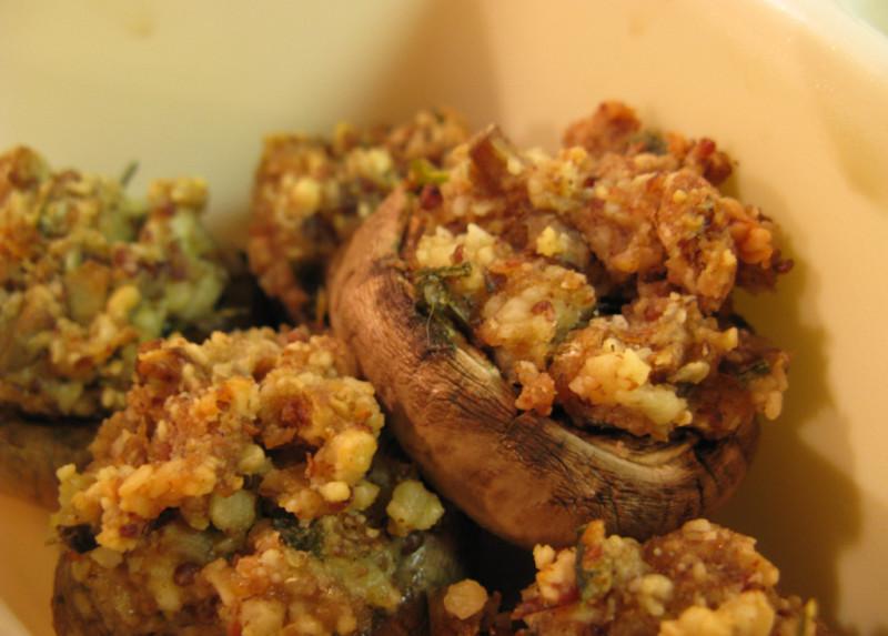 Classic stuffed mushrooms recipe | 187 calories | Happy Forks