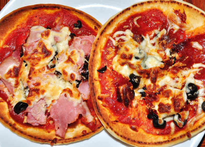 English Muffin Pizzas Recipe 182 Calories Happy Forks
